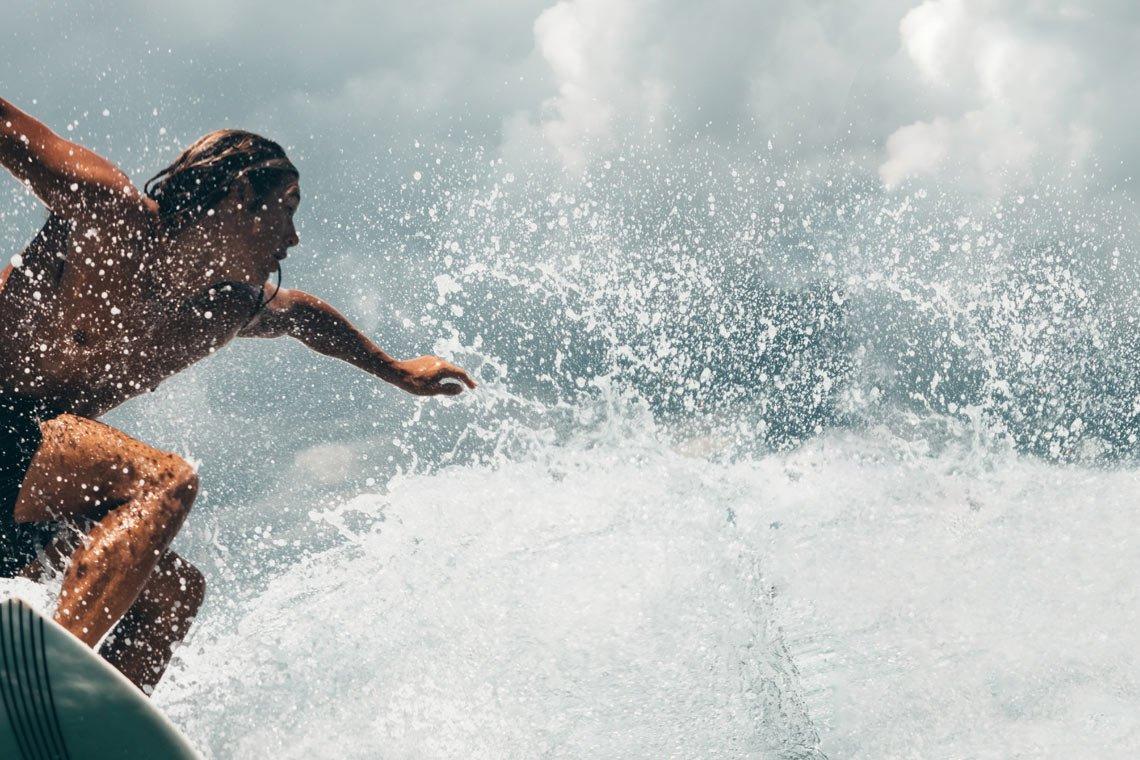 Surfing wallpaper by Oliver Sjöström