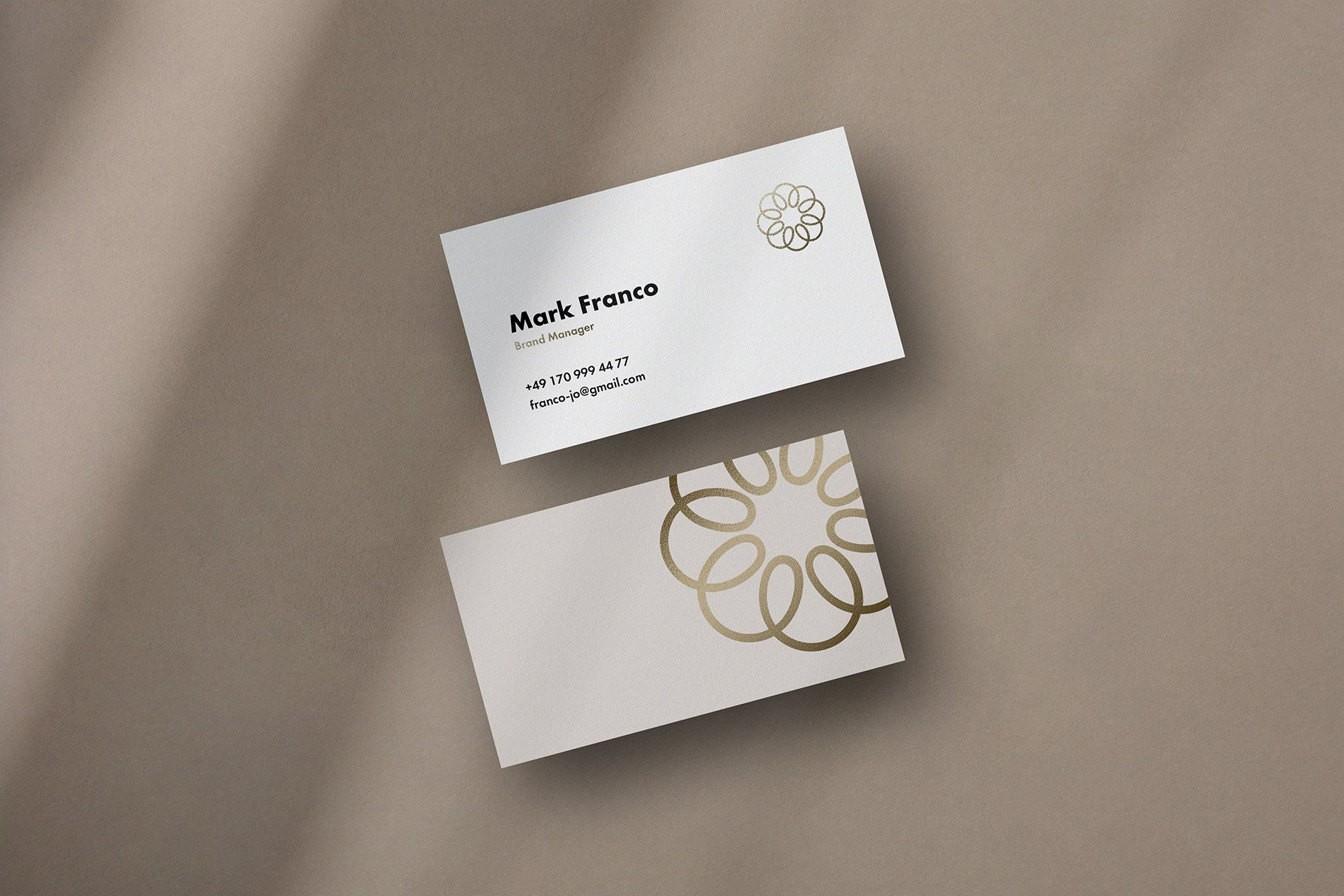 Mote Free Business Card Mockup 5